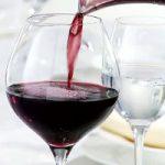 赤ワインにバストアップ効果があるってホント!?